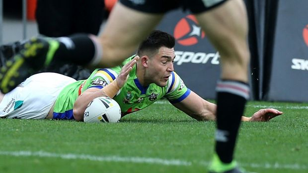 Nick Cotric scored two tries in the Raiders' easy win over the Warriors.