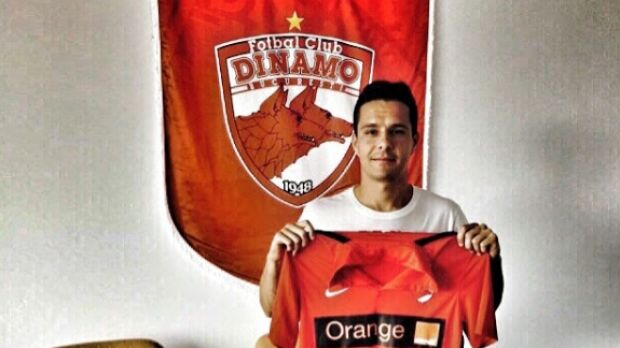 Antun Palic signing on for Romania's Dinamo Bucharest in 2015. Source: Instagram.