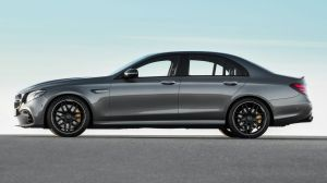 The E63 isn't light – it tips the scales at 1955kg