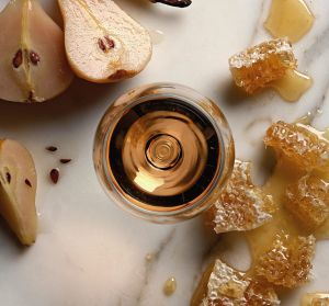 Wine. Wines of Tasmania flavours, pear, honeycomb, honey, white, whites, generic. SMH THE (SYDNEY) MAGAZINE Picture by ...