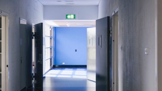 the young offenders act debate After a young adult is convicted of a crime, the youth act allows judges to decide whether the offender can benefit from rehabilitation and should receive special treatment.