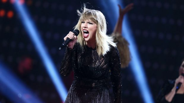 Taylor Swift's music video breaks YouTube record
