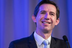 Minister Simon Birmingham needs the votes of 10 of the 12 Senate crossbenchers to pass his Bill.