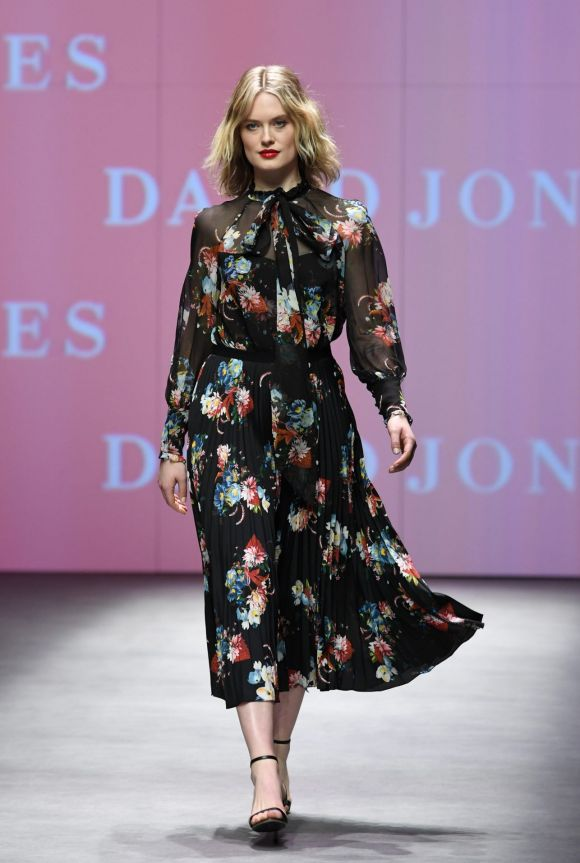 Monday: Promising to be the most diverse Melbourne Fashion Week in history, the event delivered on its promise with ...