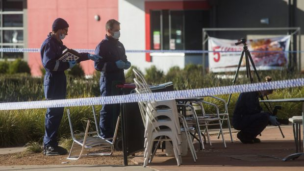 Man dies after stabbing at Caroline Springs restaurant