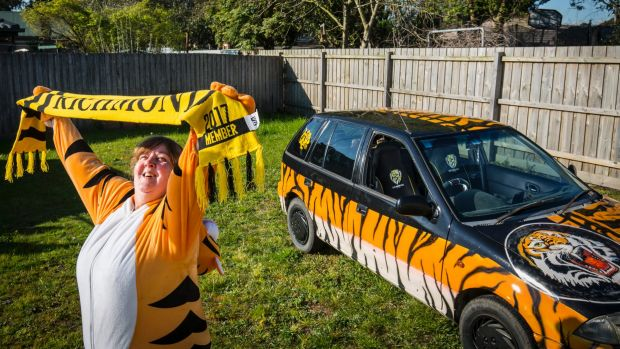 Life Is All Yellow And Black For Fanatical Richmond Supporter