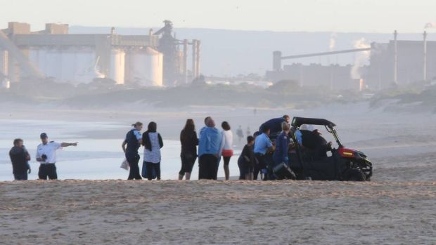 Man drowns after trying to help two children at Wollongong's City Beach