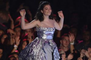 Lorde has defended her polarising performance at last month's MTV VMAs.