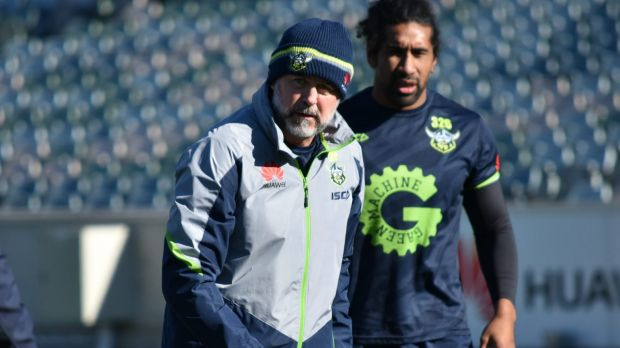 Canberra Raiders' Dean Pay favourite to replace Des Hasler at Canterbury Bulldogs