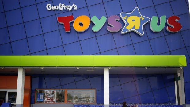 Toys 'R' Us mulls bankruptcy filing
