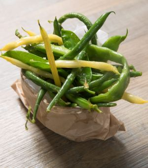 Spring in a bag: Beans with garlic, lemon and oil.
