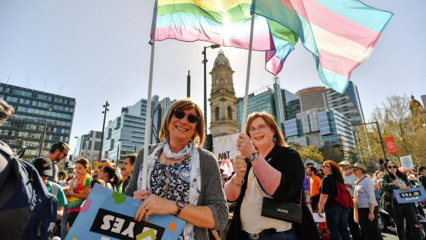 "If the ""yes"" vote wins, Western Australian Senator Dean Smith will introduce a bill to allow celebrants to refuse ..."