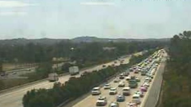 Southbound traffic on the M1 through Helensvale.