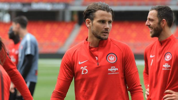 Western Sydney Wanderers coach Tony Popovic walks out on club