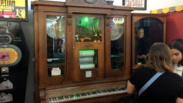 Before it made jukeboxes, Wurlitzer was the king of carnival music.