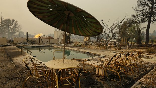 11 dead, thousands homeless as wildfires torch California wine country