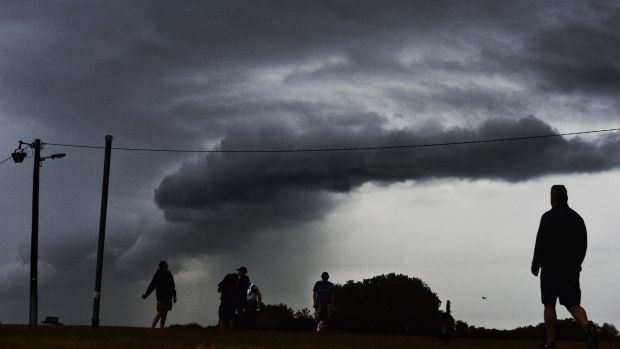 Shape of things to come?: A weak shelf cloud forms off Sydney's eastern beaches.