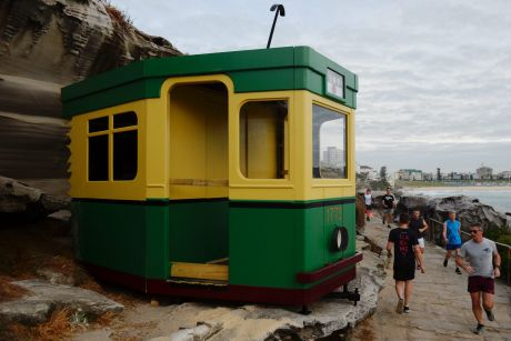 Simon Rathlou's green and gold tram.
