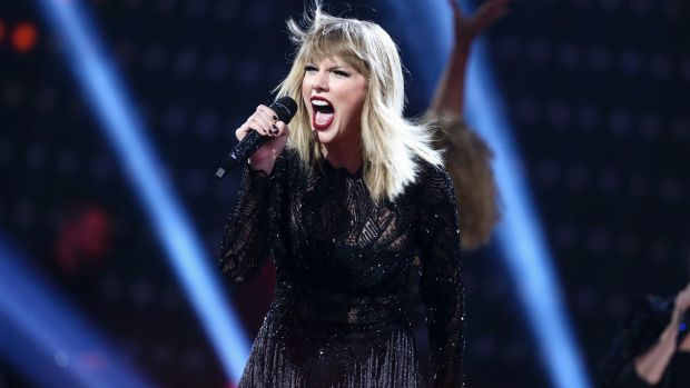 Taylor Swift turns fashion faux pas into merchandise