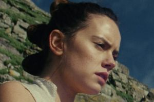 Rey (Daisy Ridley) gets in touch with the Force in Star Wars: The Last Jedi.
