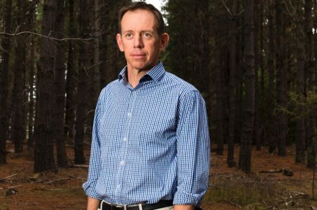 Mental Health Minister Shane Rattenbury has decided to keep Brian Hennessy House open until 2021.