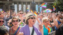 15/11/17 SEXPOL Thousands of Melbournians turned out to celebrate the Yes vote in the Same Sex survey at the State ...