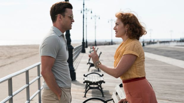 Mickey (Justin Timberlake) and Ginny (Kate Winslet) in a scene from Wonder Wheel.