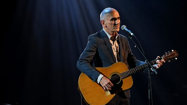 Aussie artists trail as ed sheeran divides and conquers for 16th floor paul kelly