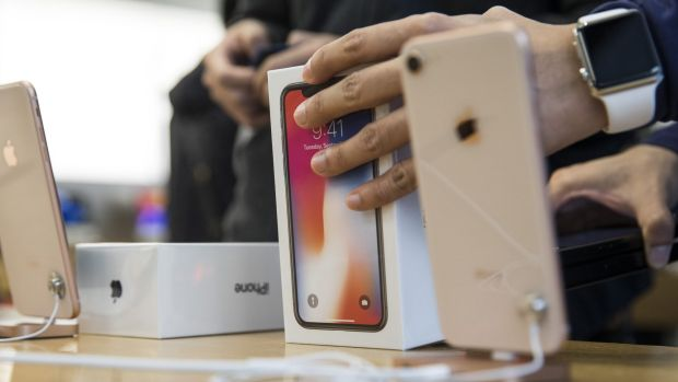 Waiting times to order the flagship smartphone in the US, Apple's biggest market, have shortened to a few days from five ...