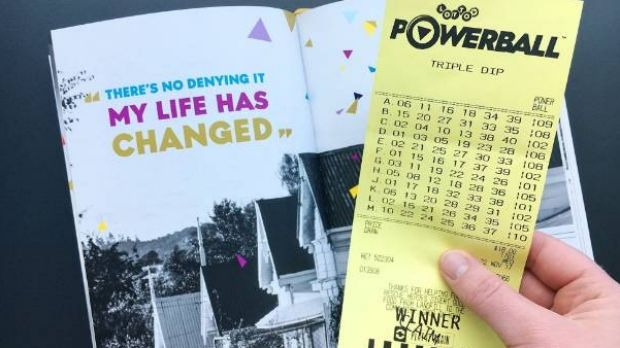 A New Zealand man who won $NZ19.1 million ($17 million) on Powerball last month turned up for work on a major motorway ...