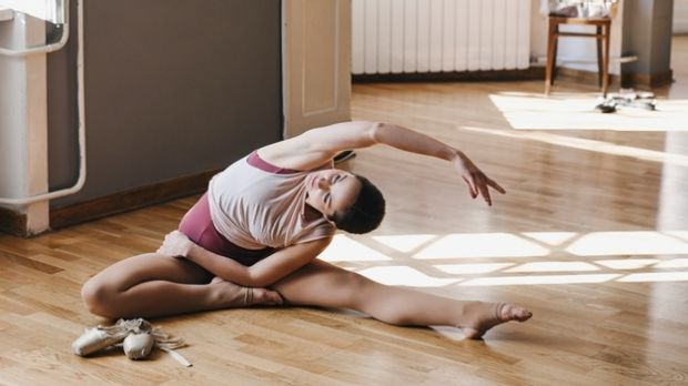 Five ballet-inspired stretches to help combat jet lag