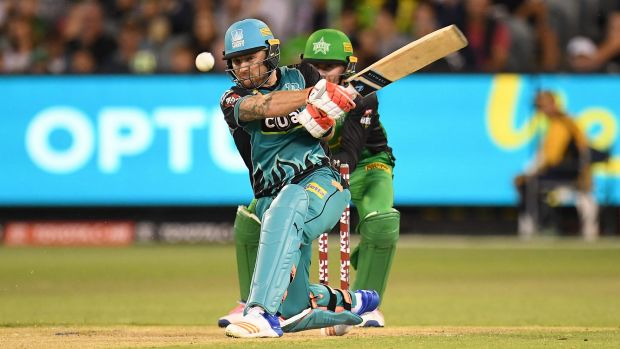 Brendon McCullum of the Heat (left) in action during the Big Bash League cricket match against the Melbourne Stars.