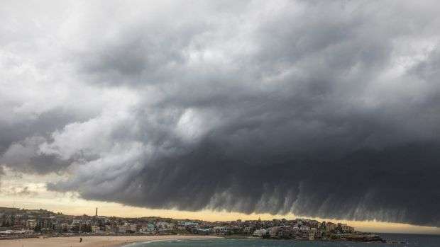 WEATHER: A big storm hits Bondi Beach in the early evening, on 9 January 2018. Photo: Jessica Hromas