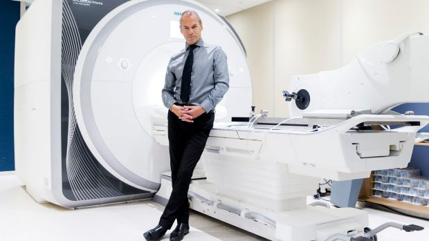 Professor Macefield can watch the brains of patients under stress using an fMRI machine.