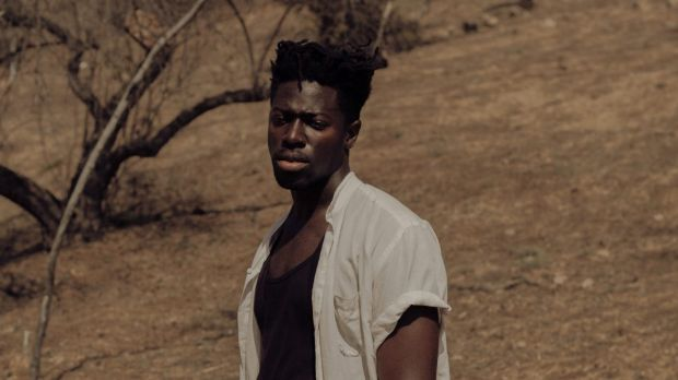 Moses Sumney: Please don't talk while he sings.