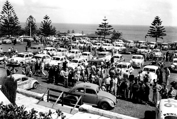 The 1955 field arrives in Perth.