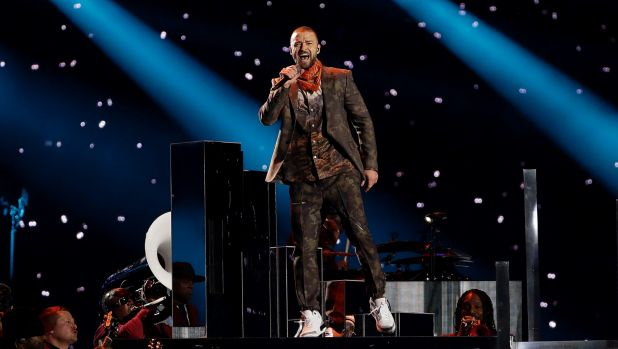 Timberlake focused on his earlier hits rather than his new album in the performance.