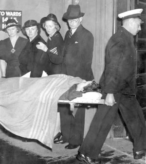 Survivors from the Rodney Disaster being brought into Sydney Hospital on 13 February 1938.