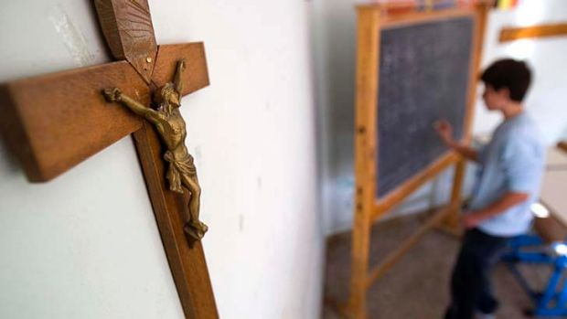 Principals want priests should back off from the day-to-day running of Catholic schools.