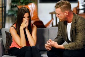 Tracey reacts to Dean's cheating bombshell.