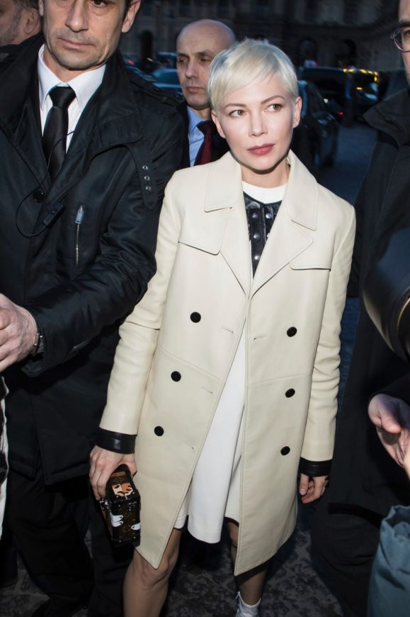 Michelle Williams arrives at the Louis Vuitton ready-to-wear fall/winter 2018/2019 fashion collection presented in Paris.