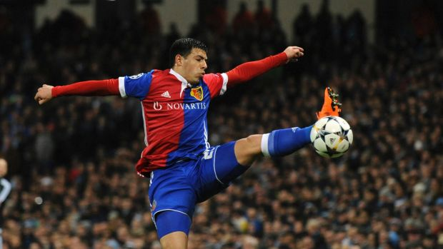 Basel's Blas Riveros controls the ball.