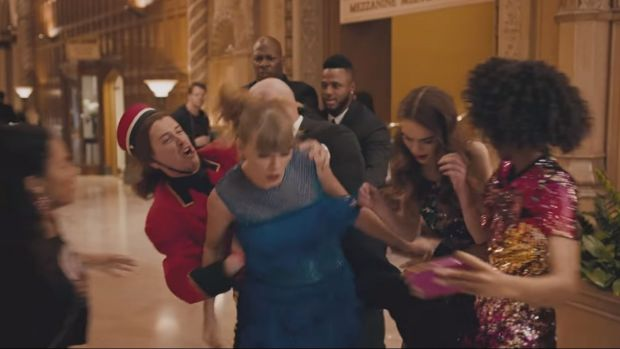 Taylor Swift gets accosted while taking a selfie in Delicate.
