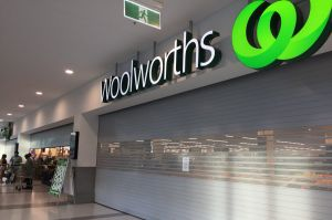 Woolworths in Double Bay closes its doors amid a technical glitch on Monday afternoon.?