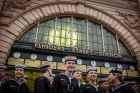A 700 strong contingent of Navy sailors from HMAS Cerberus and Navy Recruit School arrive together at Flinders Street ...