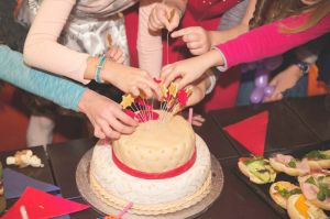 Sugary birthday cakes... an essential childhood experience?