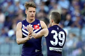 Fremantle's Matt Taberner has signed a two-year contract extension.