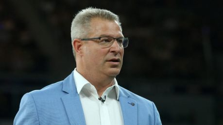 United coach Dean Vickerman's side is looking for an out-and-out centre..