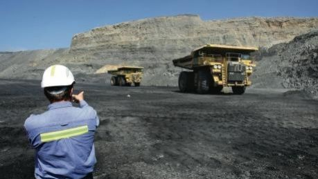 A new report says the Australian resources sector generates about $226 billion of exports each year.