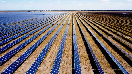 Victoria will, after years of promises, get its first large-scale solar plant - without subsidies. Near Mildura. Backers ...